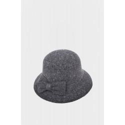 Елегантна зимна шапка ht6