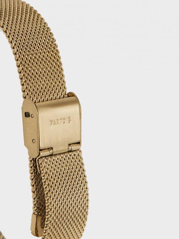 Watch With Metallic Mesh Wristband