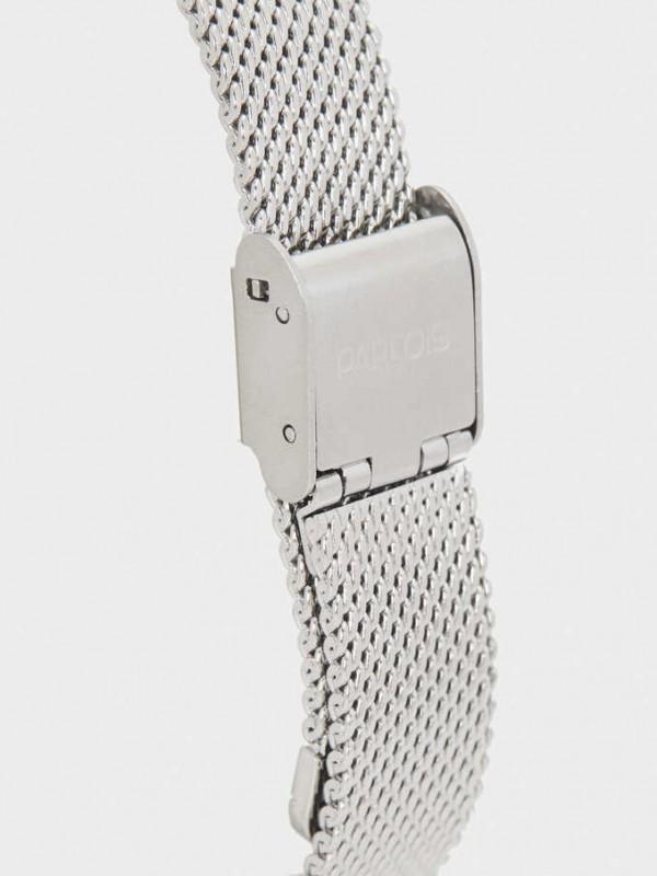 Watch With Narrow Metallic Mesh Strap