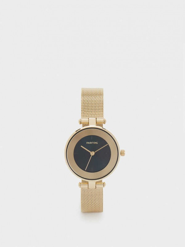Watch With Metal Mesh Strap And Contrasting Face