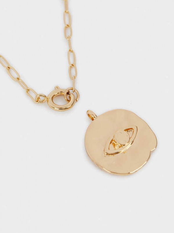 Chain Necklace With Golden Pendant