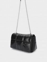 Chess Shoulder Bag Черна чанта с метална дръжка