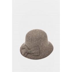 Елегантна зимна шапка HT5
