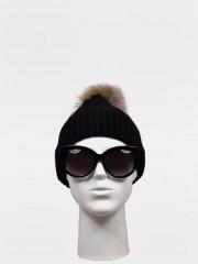 Зимна шапка Черна шапка с помпон от естествен косъм